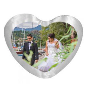 Cuscino personalizzato cuore raso bianco