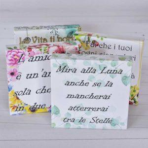 Tele con frasi - realizzate artigianalmente.Scegli lo sfondo e personalizza la scritta, indicando la tua frase che vuoi regalare.