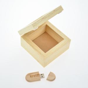 Cofanetto in legno inciso 10x10cm