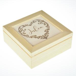 Cofanetto in legno inciso 15x15cm