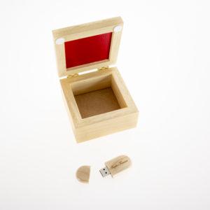 cofanetto-usb-personalizzato-inciso-kreilab-avigliana-stampa-foto-1