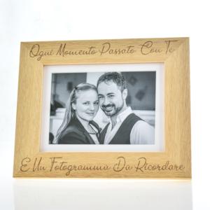 Portafoto in legno inciso 15x20